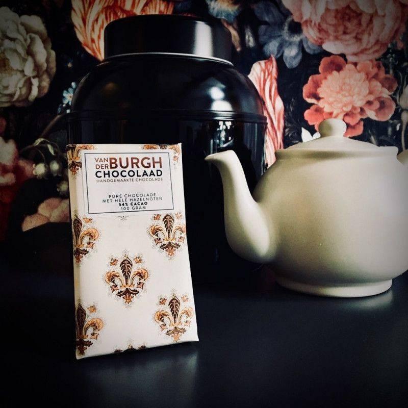 Pure 54% with whole hazelnuts - Van der Burgh - Chocolate