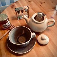 Tea filter holder - Tea Preparation
