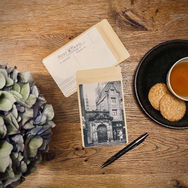 Tea postcard The Smallest House 1938 - T-mail