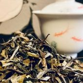 Pai Mu Tan tea, also known as White Peony tea!   This amazing white tea is grown in the Fujian Province in China.   Pai Mu Tan is a select tea that is made from the buds of the tea plant Camellia Sinensis, specifically the first two leaves of the tea bud. As the leaves are only slightly rolled and unfurled, the leaves remain large, long and green.   Pai Mu Tan is a sweet, delicate infusion with a light and floral, slightly fruity aroma.   The caffeine content of white tea is actually very low making it a perfect tea to enjoy in the evening. As it is rich in antioxidants, it helps combat the harmful effects of free radicals.   Ready to try this gem of a tea? Our organic Pai Mu Tan is available instore and online (link in bio).   #paimutan #paimutantea #whitetea #chinesetea #healthytea #healthylifestyle #detoxtea #cleanse #cleanseyourbody #tea #tealovers #ilovetea #insteagram #foodphotography #gaiwan #teashop #teaboutique #teashopamsterdam #amsterdamfoodies #thee #hetkleinstehuis #thesmallesthouseinamsterdam #premiumtea #organictea #organicliving #organic #expatsinamsterdam #amsterdam #geefmijmaaramsterdam #teatime