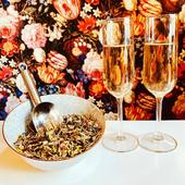 Would you like to offer your guests the option of an non-alcoholic cocktail? Than let's make a tea-mocktail! Our Kir Royal tea blend is perfect for the job. This rich white and green tea blend with blackberries, red berries, rose petals and lemon grass tastes like the famous French cocktail. Definitely the highlight of your party!   The link is in our bio!   #mocktails #teacocktail #cocktailparty #mocktailparty #teaparty #teatime #tea #ilovetea #tealovers #thee #healthyliving #healthylifestyle #amsterdamfoodies #amsterdamcravings #teashopamsterdam #hightea #teashop #theewinkel #teegeschäftamsterdam #teegeschäftinamsterdam #teegeschäft #looseleaftea #amsterdam #iloveamsterdam #geefmijmaaramsterdam #hetkleinstehuis #oudehoogstraat #oudehoogstraat22 #bloemetjesbehang #wallpaper