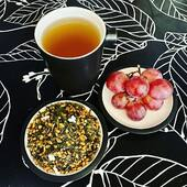 Looking for a good way to start your day?  How about a cup of Genmaicha and a bowl of grapes!   Genmaicha is a lovely nutritious tea, full of flavor. A real Japanese culinary treat.   Genmaicha (Japanese for brown rice tea) is a green bancha tea mixed with roasted brown rice). It offers a natural combination of starch, sugar and a nutty flavor. A beautiful tea for any time of the day.   Genmaicha can easily be used while detoxing. The green tea is well known for getting rid of toxins in your body and the polyphenols in green tea help your liver when detoxing while providing the antioxidants it needs to fight free radicals.   As for grapes... grapes are one of the primary detoxing fruits. They contain vitamine B and are known to have a laxative effect. Don't hesitate to introduce these little wonders into your daily detox routine!   For more info about Genmaicha, check out our website! (Link in bio)   #detox #detoxtea #detoxthee #genmaicha #genmaichatea #healthytea #healthyliving #healthylifestyle #wellness #wellnesstea #yoga #yogatea #ontslakken #japanesetea #tea #cleanyourbody #mindfulness #vegan #veganlife #veganlifestyle #organic #organictea #biologischethee #biologischeten #tealovers #ilovetea #insteagram #thee #foodiesamsterdam #amsterdamfoodies