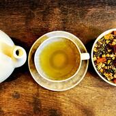 A new tea to add to your fall line up: Hot Cinnamon Apple!  A rich blend of white and green tea, apple, almond and cinnamon. Autumn coziness in a tea cup!   The basis of this blend is a Mao Feng and a Pai Mu Tan tea. For both teas only the youngest buds and leaves from the tea plant are used. These teas are naturally very mild and somewhat fruity.   Hot Cinnaman Apple is now in store and online. (Link in bio)   #ilovetea #whitetea #greentea #teablend #autumntea #autumn #falltea #fall #cinnamontea #cinnamon #appletea #apple #herbs #spices #spicytea #insteagram #tealoversofinstagram #spiceupyourlife #tealovers #maofeng #paimutan #teatime #thee #theetijd #theewinkelamsterdam #teashopamsterdam #thesmallesthouseinamsterdam #amsterdam