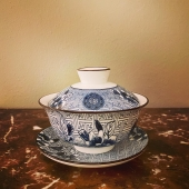 The gaiwan, by far my favorite kind of tea set! This little gem just came in! Can't take my eyes of it.   A gaiwan is a Chinese lidded bowl without handle, used for the infusion of tea leaves and the consumption of tea.   A gaiwan is particularly good to use for tea with a delicate taste and aroma such as green and white tea.   Never used a gaiwan? Don't worry! A new story on how to use a gaiwan is in the making.   This particular gaiwan is now available in our store and online. Link in bio!   #gaiwan #gaiwantea #teaware #teacup #tealovers #insteagram #tea #perfectteacup #drinkingtea #tea #thee #teatime #chinesetea #teashop #theewinkel #teashopamsterdam #theewinkelamsterdam #thesmallesthouseinamsterdam #amsterdam #christmasgifts #christmasgiftideas #teagift #theecadeau #ceramics #greentea #whitetea #tradition #shoplocal #kooplokaal